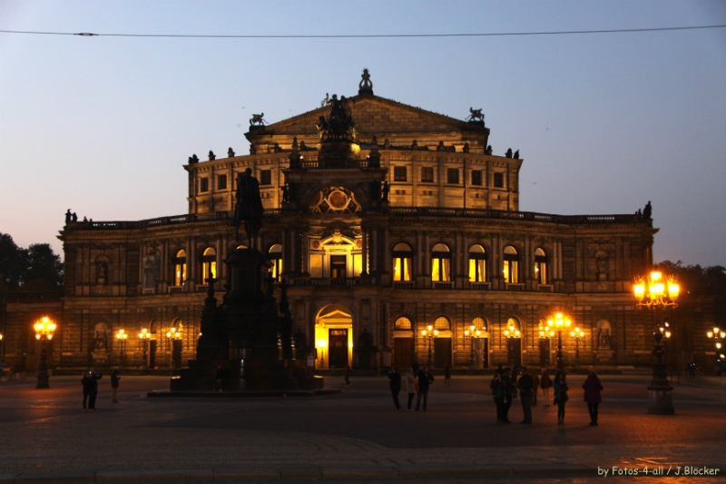 Semperoper by night Dresden Germany to-europe.com