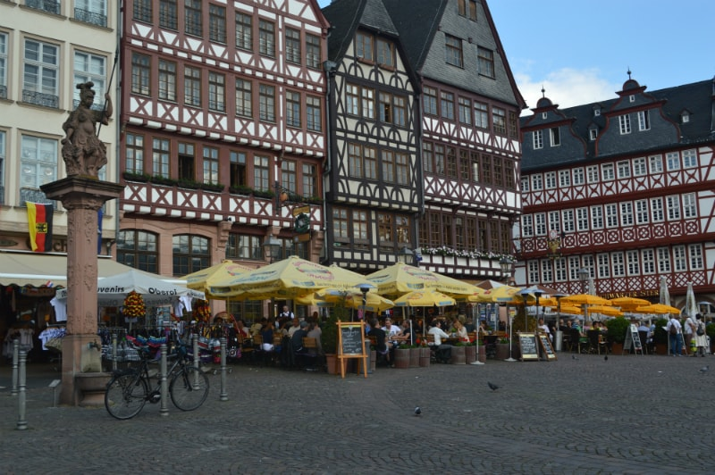 Prague Berlin Coach Rail Tour, Frankfurt Roemer (Römerberg) City Center Germany toeurope to.europe.com