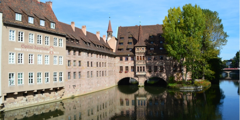 View the Heilig-Geist Spital Nuremberg © Thomas H. Giesick to-europe.com