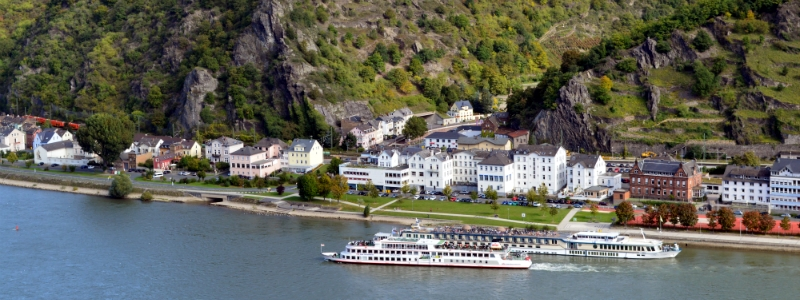 Rhine River Cruise ships near St. Goar Germany to-europe.com
